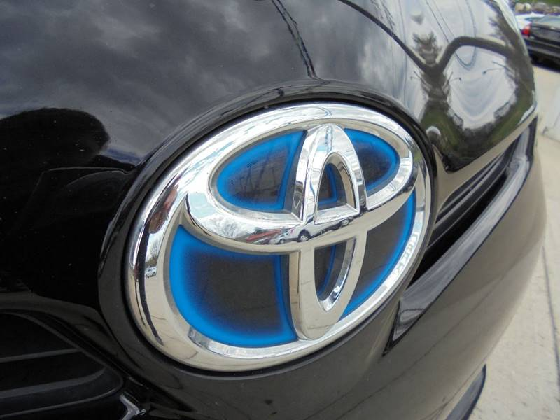 2015 Toyota Prius Two 4dr Hatchback - Cambridge OH