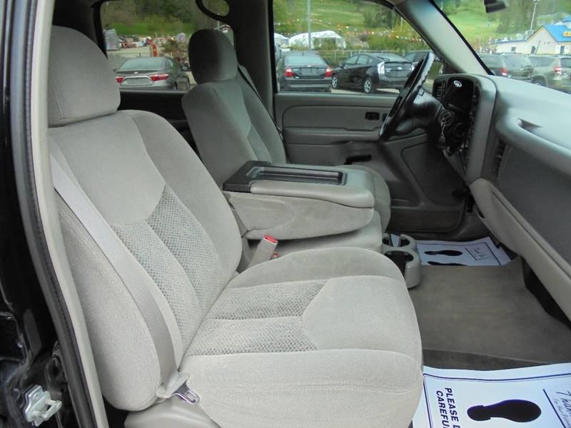 2005 Chevrolet Avalanche 4dr 1500 LT 4WD Crew Cab SB - Cambridge OH