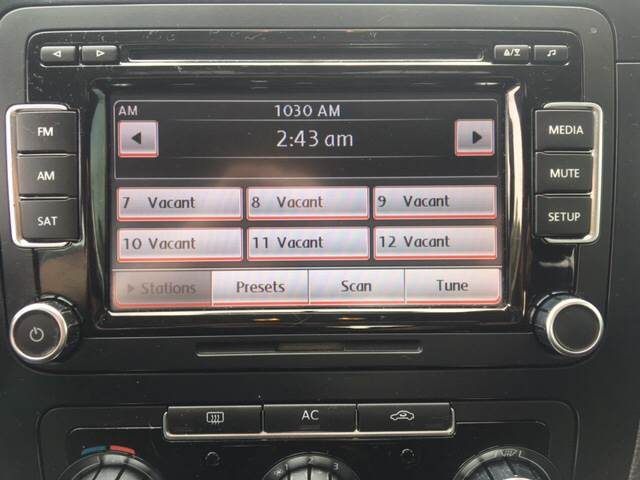 2010 Volkswagen Jetta SE 4dr Sedan 6A - North Weymouth MA