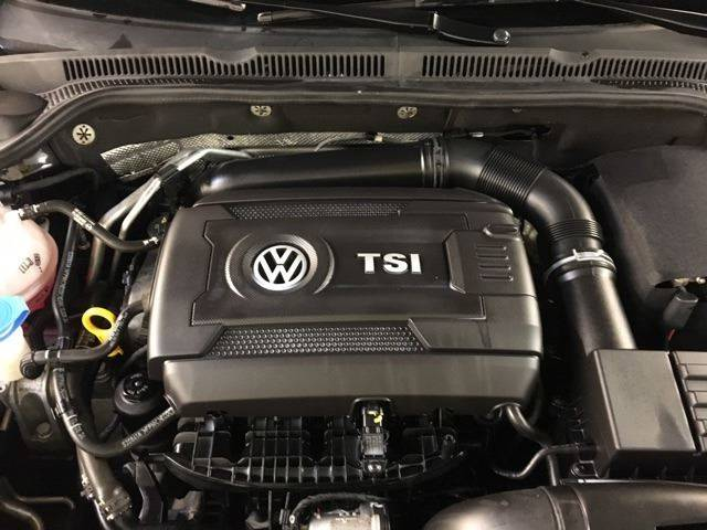 2014 Volkswagen Jetta SE PZEV 4dr Sedan 6A w/Connectivity and Sunroof - North Weymouth MA