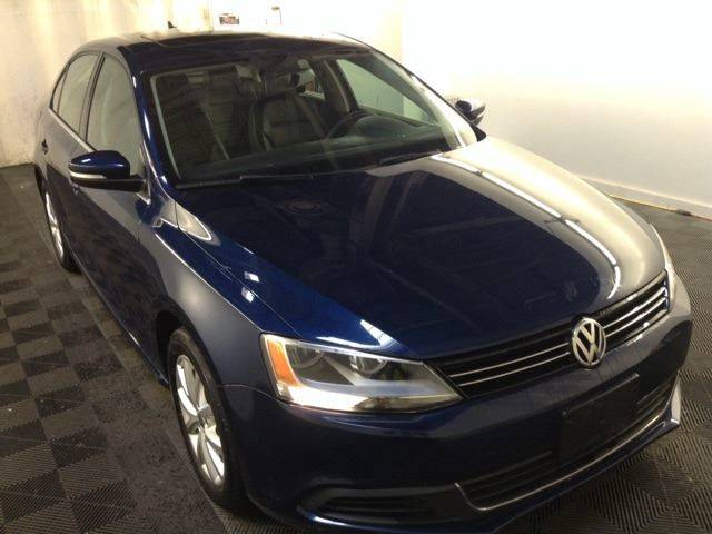 2013 Volkswagen Jetta SE PZEV 4dr Sedan 6A w/Convenience and Sunroof (ends 1/13) - North Weymouth MA