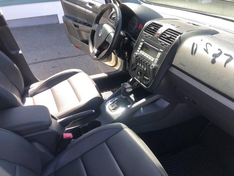 2008 Volkswagen Jetta SEL PZEV 4dr Sedan 6A - North Weymouth MA