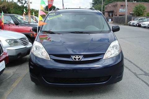 2006 Toyota Sienna for sale at Howe's Auto Sales in Lowell MA