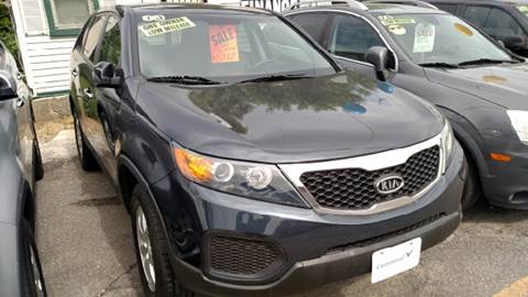2013 Kia Sorento for sale at Howe's Auto Sales in Lowell MA