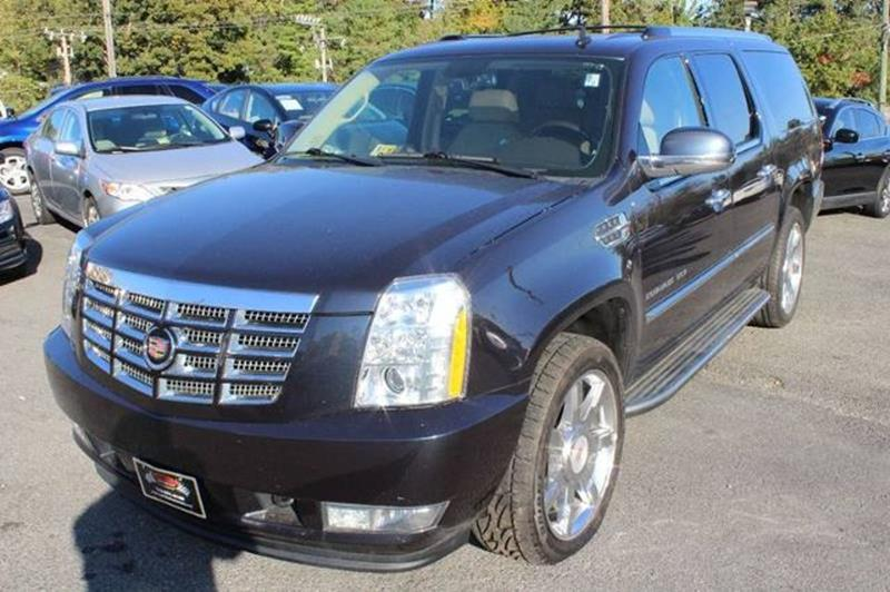 luxury cadillac auto at escalade brokers united used detail
