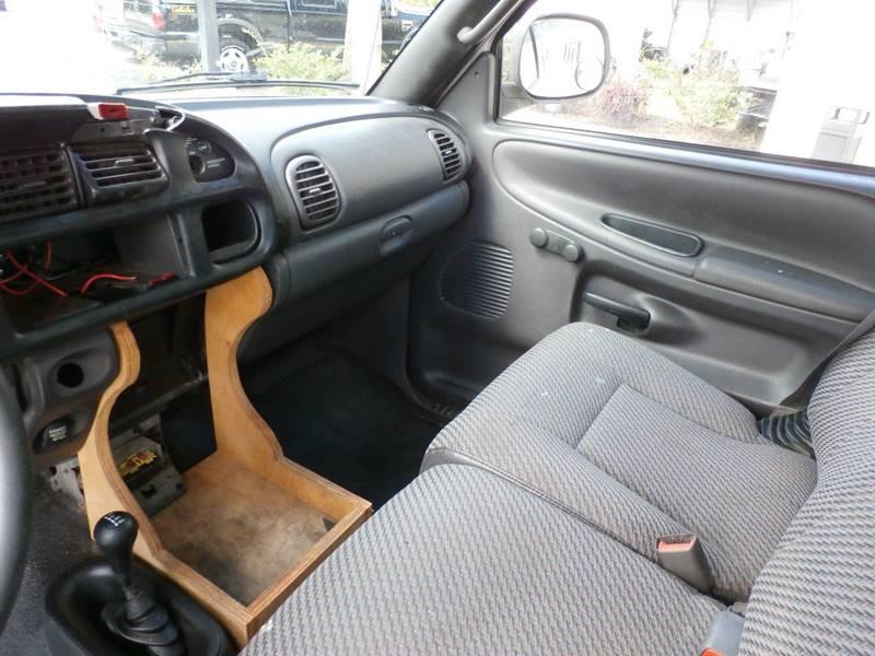 2001 Dodge Ram Pickup 1500 2dr Club Cab ST 4WD SB - Hardeeville SC