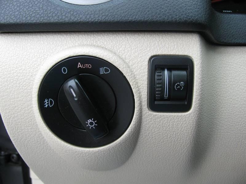 2009 Volkswagen Tiguan AWD SE 4Motion 4dr SUV w/4x4 Rear Side Airbags - Johnston RI