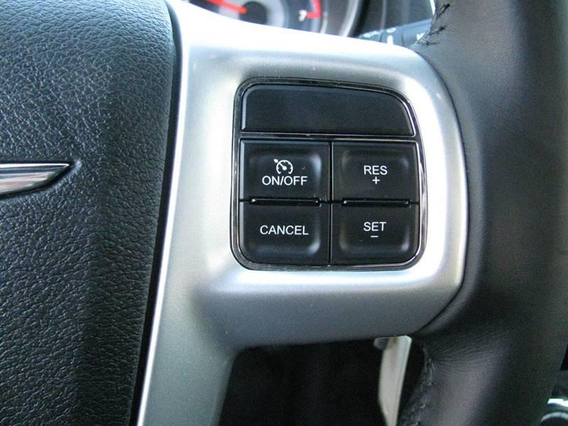 2013 Chrysler 200 Touring 4dr Sedan - Johnston RI