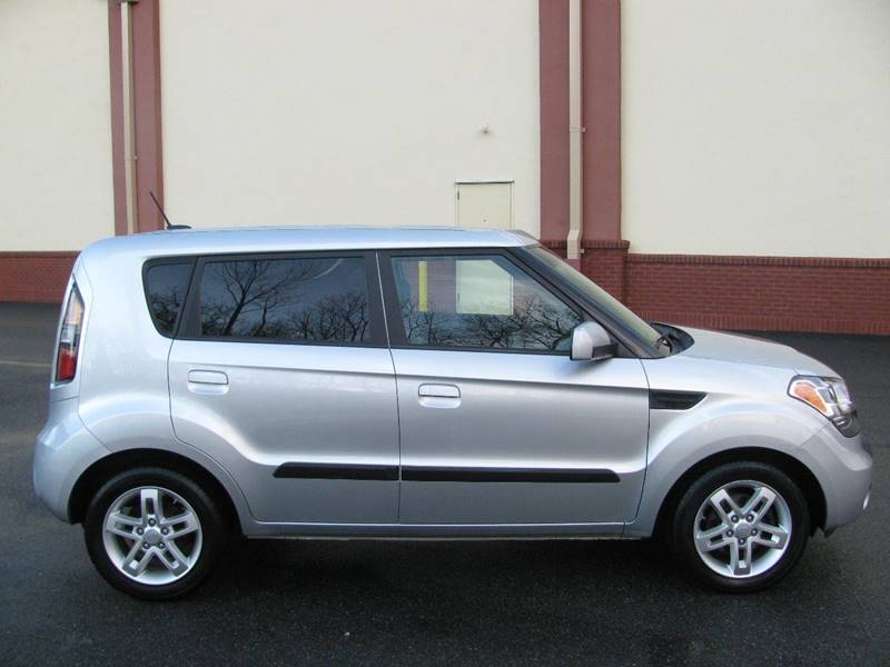 2010 Kia Soul + 4dr Wagon 4A - Johnston RI