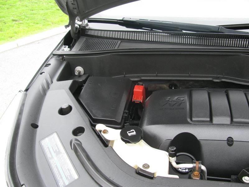 2010 Chevrolet Traverse AWD LT 4dr SUV w/2LT - Johnston RI
