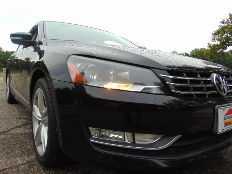 2014 Volkswagen Passat 2.0L TDI SE 4dr Sedan 6A w/Sunroof and Navigation - Terre Haute IN