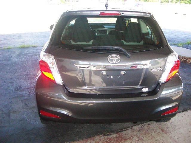 2013 Toyota Yaris L 2dr Hatchback 5M - Richland Center WI