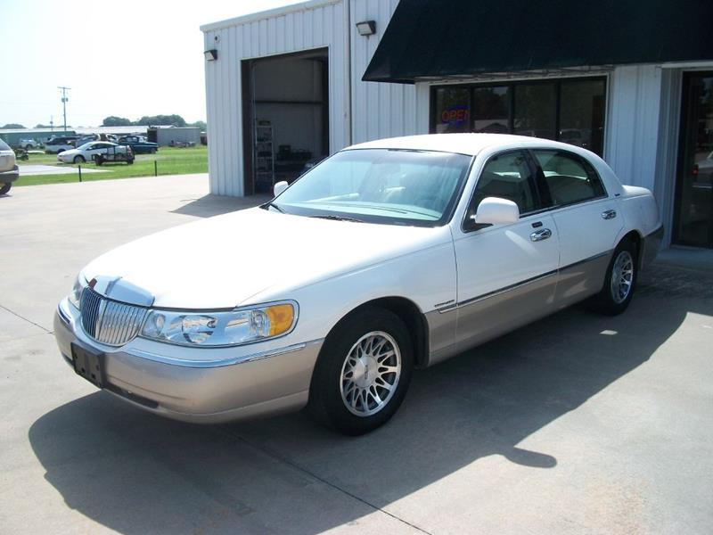 2002 Lincoln Town Car Signature 4dr Sedan In Dewitt Ar Fairwinds