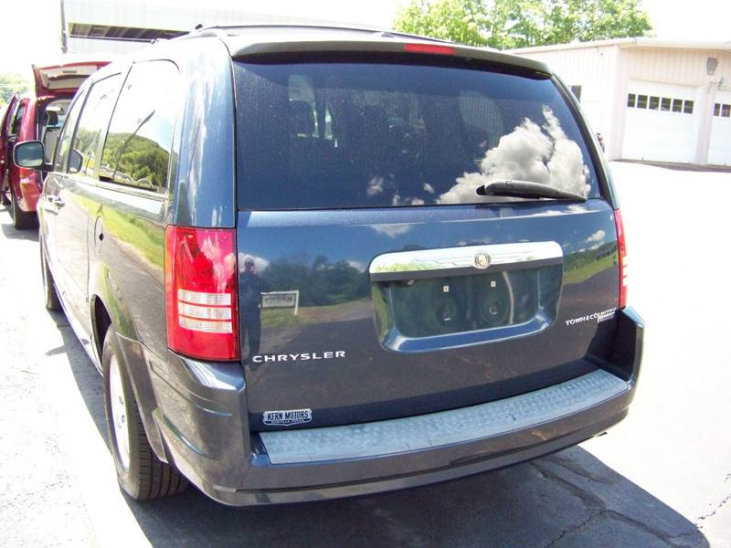 2009 Chrysler Town and Country Touring Mini-Van 4dr - Danville PA