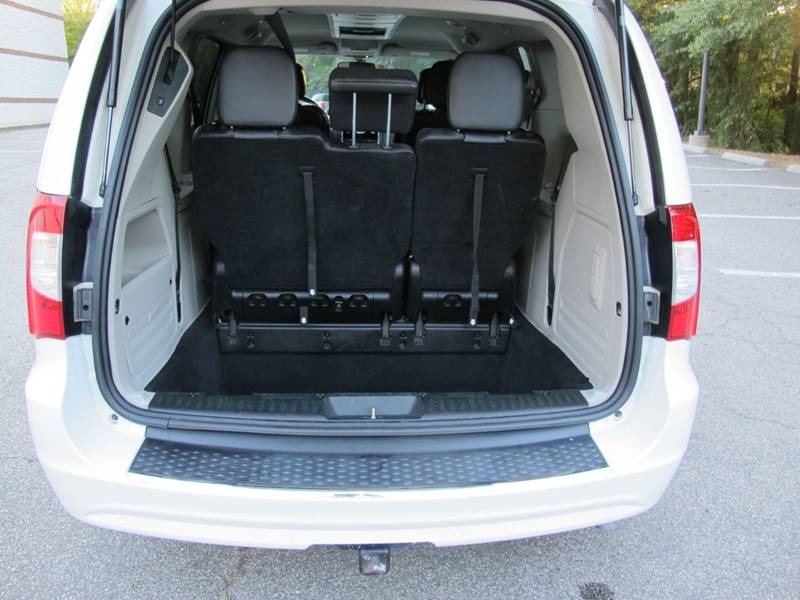 2012 Chrysler Town And Country Touring 4dr Mini-Van In
