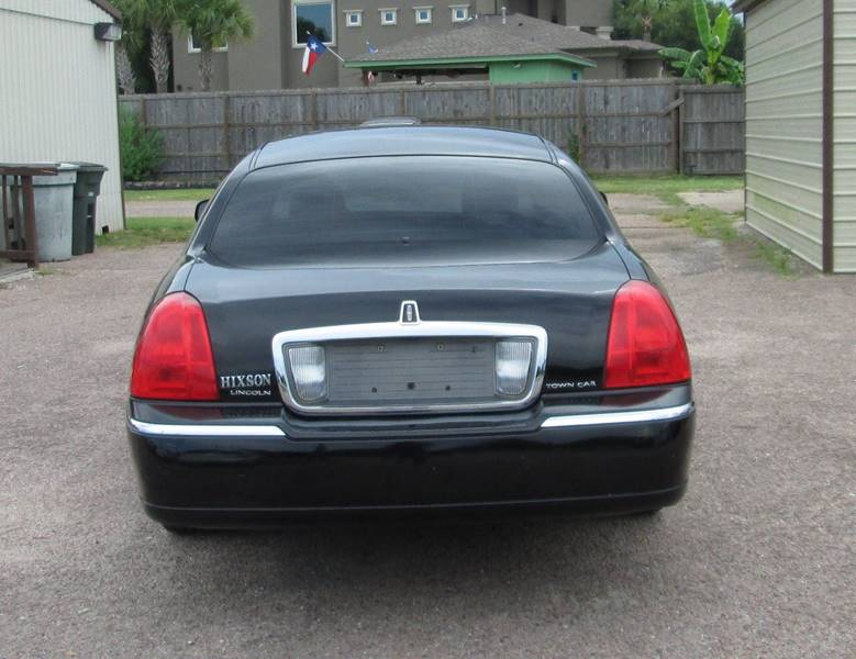 2009 Lincoln Town Car Signature Limited 4dr Sedan In Beaumont Tx