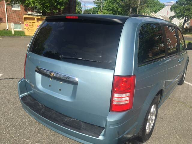 2008 Chrysler Town and Country Touring 4dr Mini-Van - Agawam MA