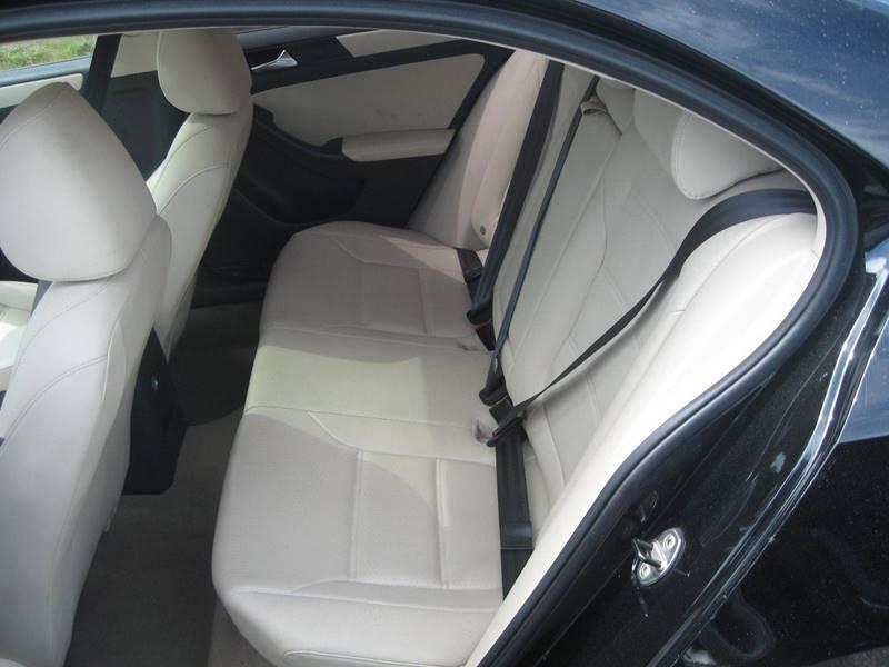 2011 Volkswagen Jetta SE PZEV 4dr Sedan 6A - Hudson NH