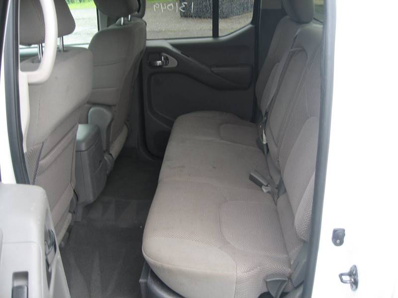 2006 Nissan Frontier LE 4dr Crew Cab 4WD SB - Hudson NH