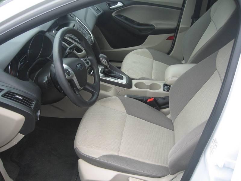 2014 Ford Focus SE 4dr Hatchback - Hudson NH