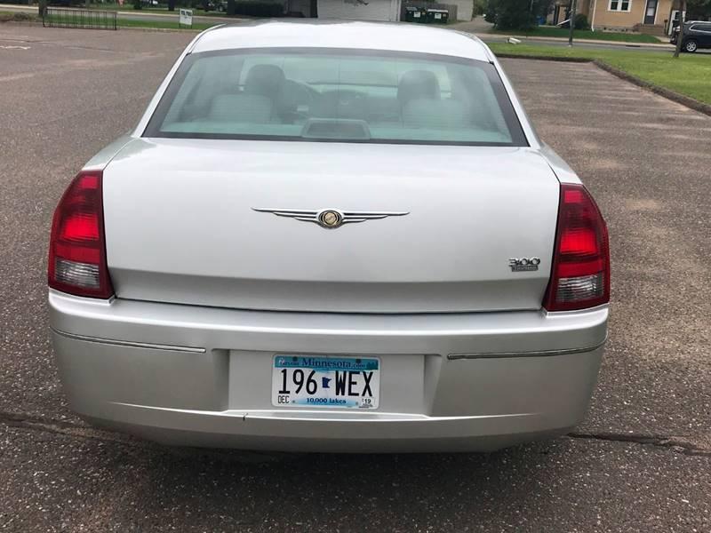 2007 Chrysler 300 7