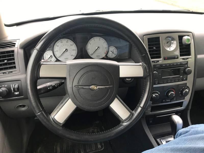 2007 Chrysler 300 15