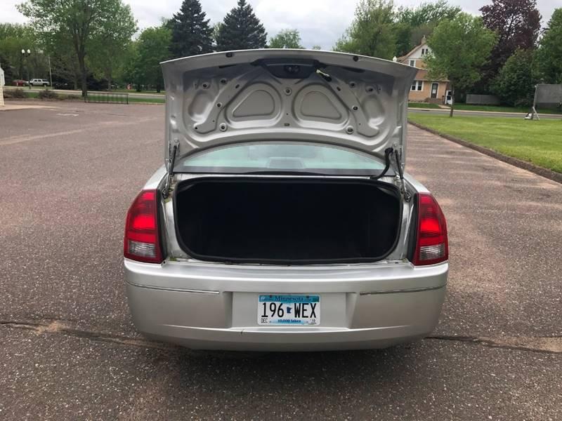 2007 Chrysler 300 18