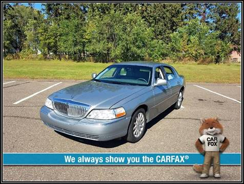 2006 Lincoln Town Car for sale in Cambridge, MN