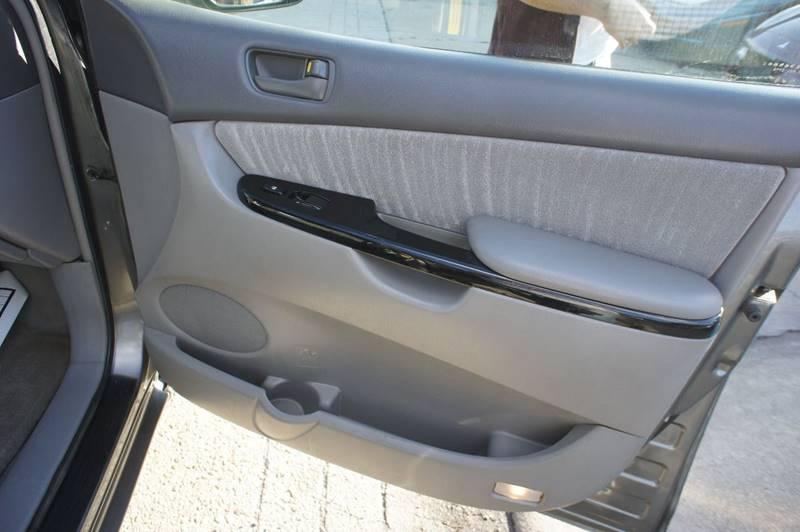 2004 Toyota Sienna LE 7-Passenger 4dr Mini-Van - Richmond VA