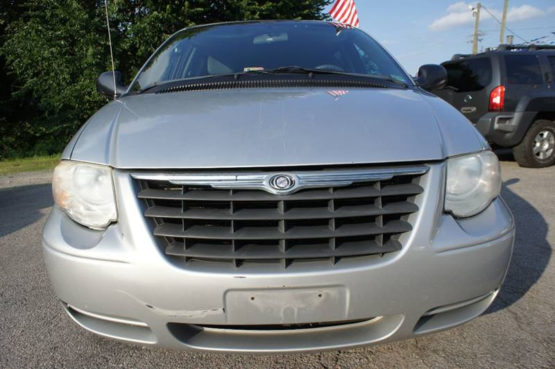 2005 Chrysler Town and Country LX 4dr Extended Mini-Van - Richmond VA