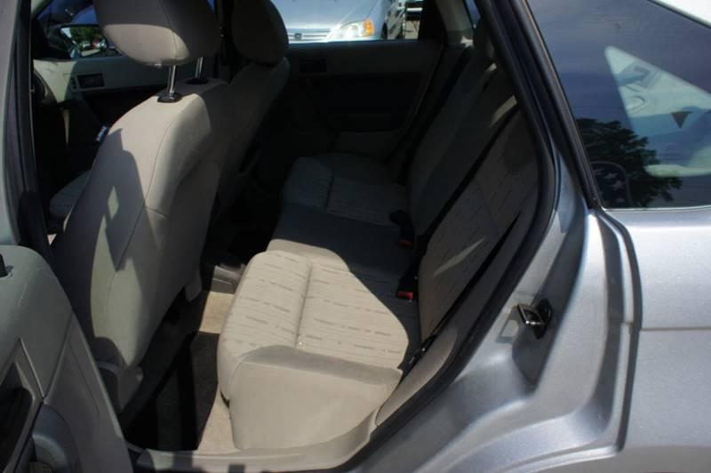 2009 Ford Focus SE 4dr Sedan - Richmond VA