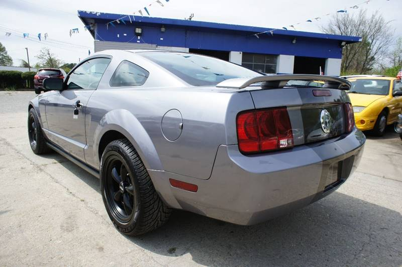 2006 Ford Mustang V6 Standard 2dr Coupe - Richmond VA