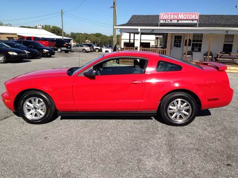 2006 Ford Mustang for sale at TAVERN MOTORS in Laurens SC