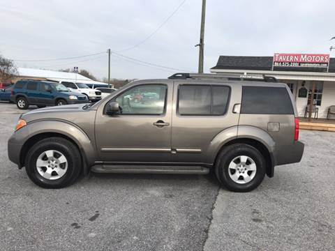 2006 Nissan Pathfinder for sale at TAVERN MOTORS in Laurens SC