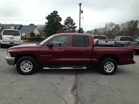 2001 Dodge Dakota for sale at TAVERN MOTORS in Laurens SC