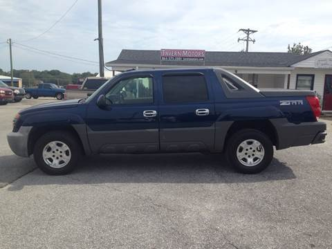 2002 Chevrolet Avalanche for sale at TAVERN MOTORS in Laurens SC