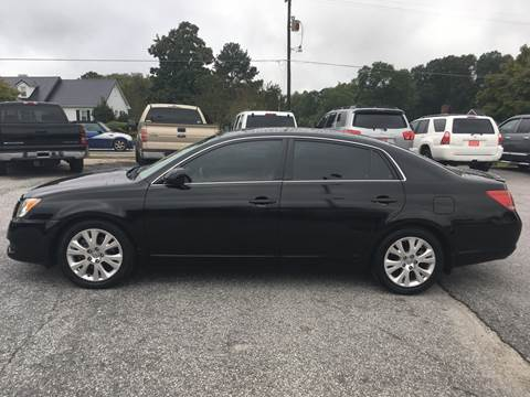 2008 Toyota Avalon for sale at TAVERN MOTORS in Laurens SC