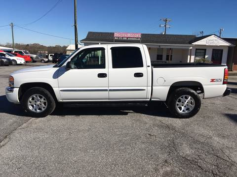 2005 GMC Sierra 1500 for sale at TAVERN MOTORS in Laurens SC