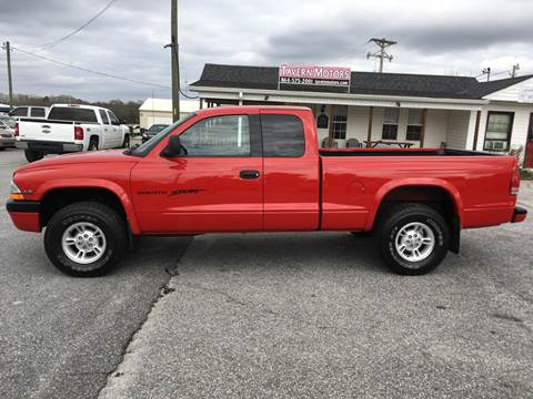 1999 Dodge Dakota for sale at TAVERN MOTORS in Laurens SC