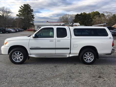 2006 Toyota Tundra for sale at TAVERN MOTORS in Laurens SC