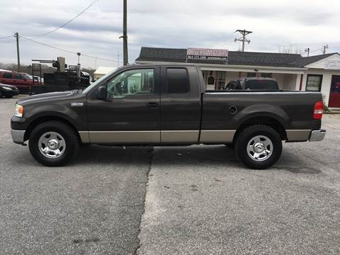 2005 Ford F-150 for sale at TAVERN MOTORS in Laurens SC