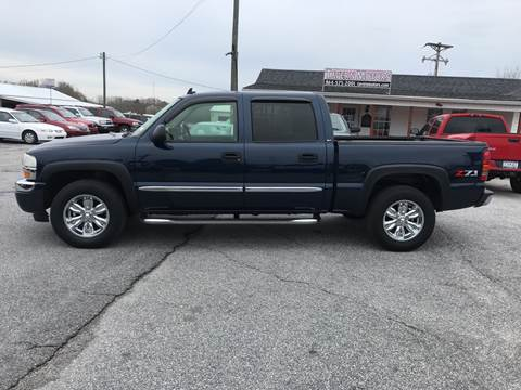 2006 GMC Sierra 1500 for sale at TAVERN MOTORS in Laurens SC