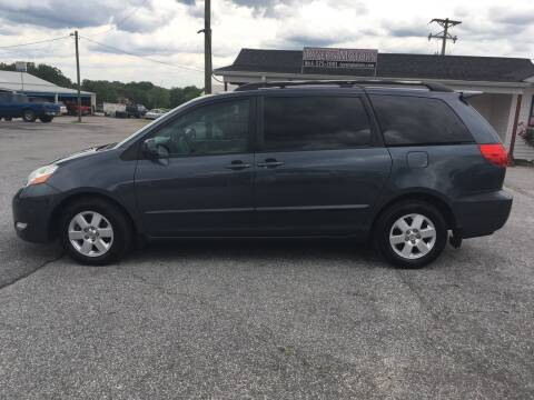 2008 Toyota Sienna for sale at TAVERN MOTORS in Laurens SC