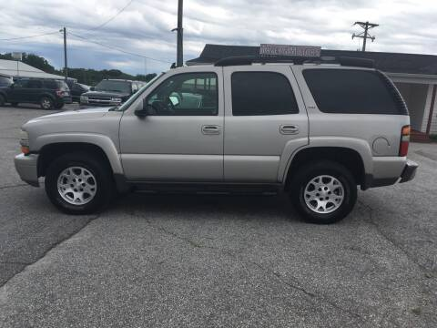 2006 Chevrolet Tahoe for sale at TAVERN MOTORS in Laurens SC