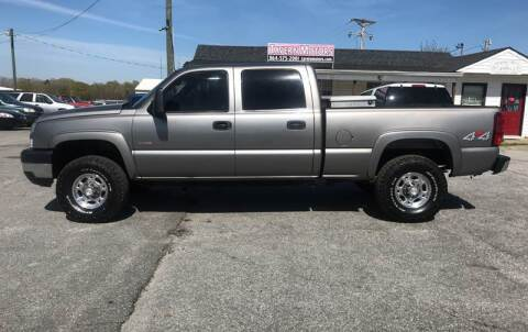 2006 Chevrolet Silverado 2500HD for sale at TAVERN MOTORS in Laurens SC