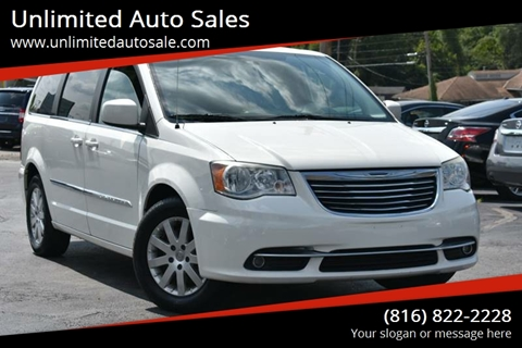 2013 Chrysler Town And Country Touring 4dr Mini Van
