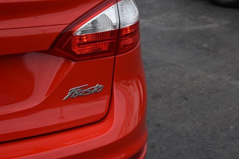 2015 Ford Fiesta SE 4dr Sedan - Kansas City MO