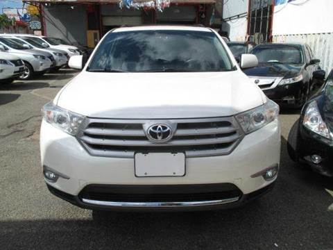 2013 Toyota Highlander for sale at TJ AUTO in Brooklyn NY