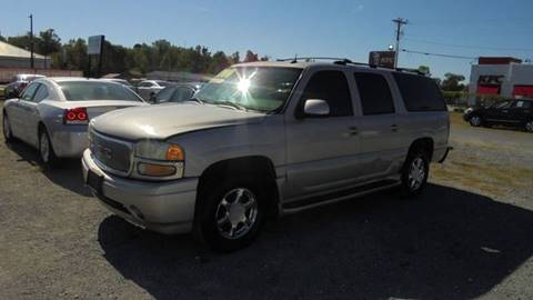 2004 GMC Yukon XL for sale at Auto Mart - Moncks Corner in Moncks Corner SC