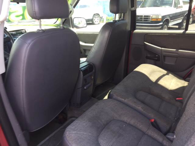 2004 Ford Explorer for sale at ROUTE 6 AUTOMAX in Markham IL